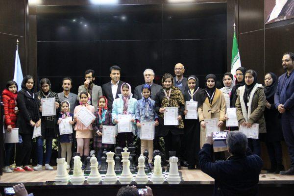 جلسه اهداء احکام ومدال های قهرمانان رده های سنی شطرنج استان خراسان جنوبی